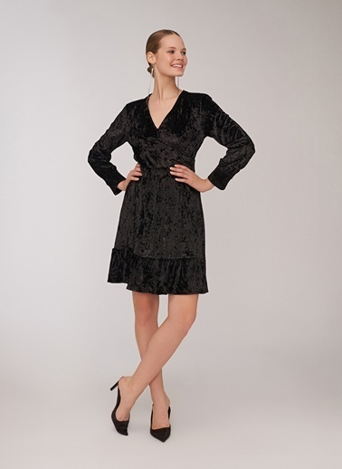 People By Fabrika Bel Detaylı Kadife Elbise Siyah